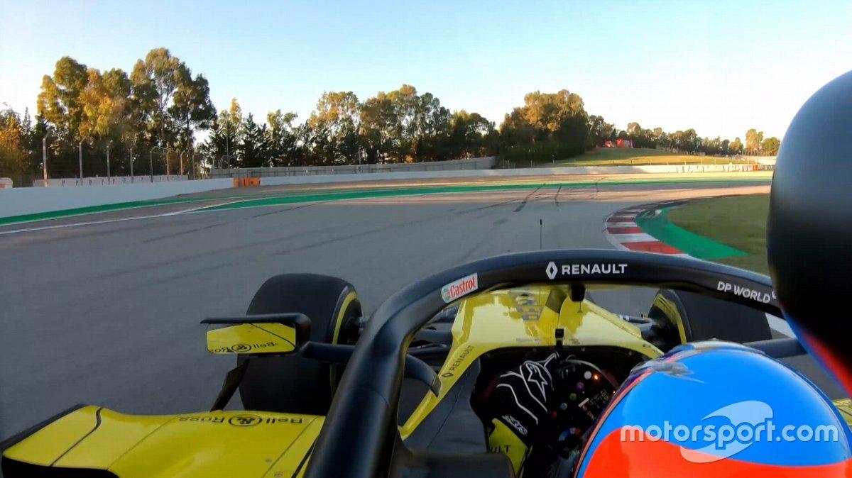 Fernando Alonso a bordo en el Renault R.S.20 en Barcelona