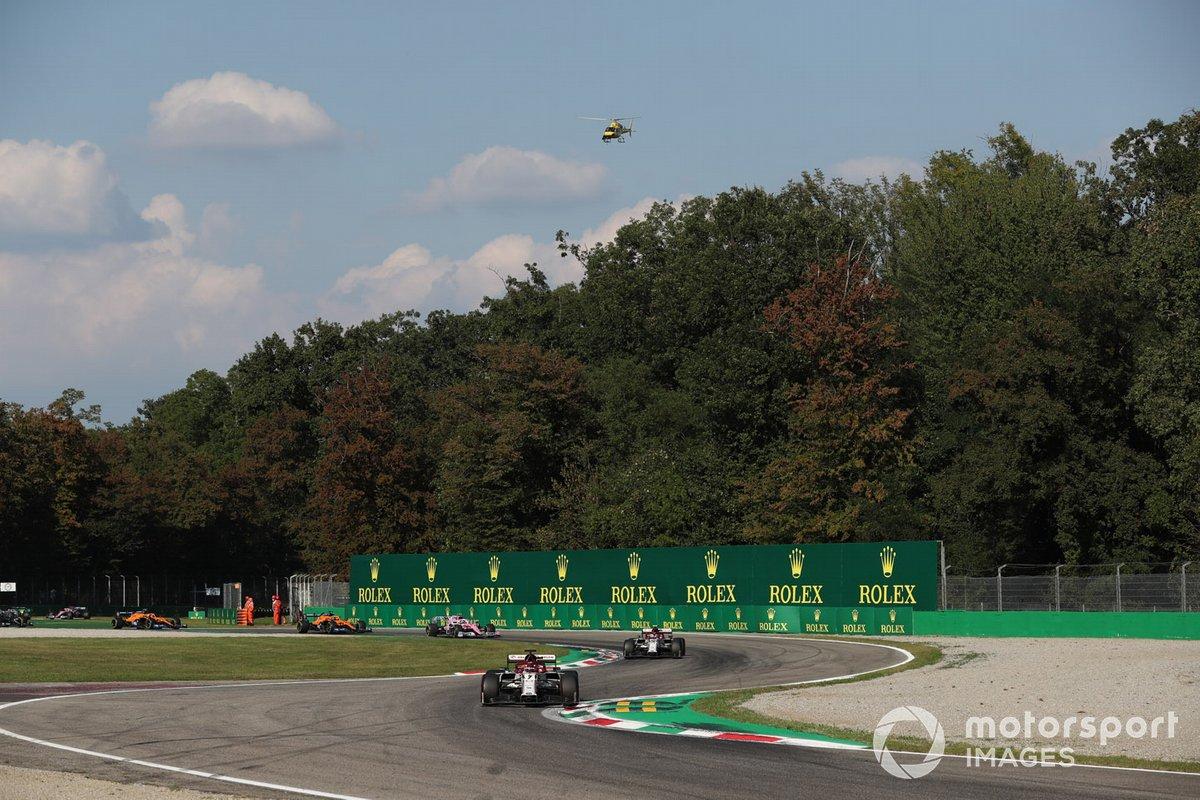 Kimi Raikkonen, Alfa Romeo Racing C39, Antonio Giovinazzi, Alfa Romeo Racing C39, e Lance Stroll, Racing Point RP20