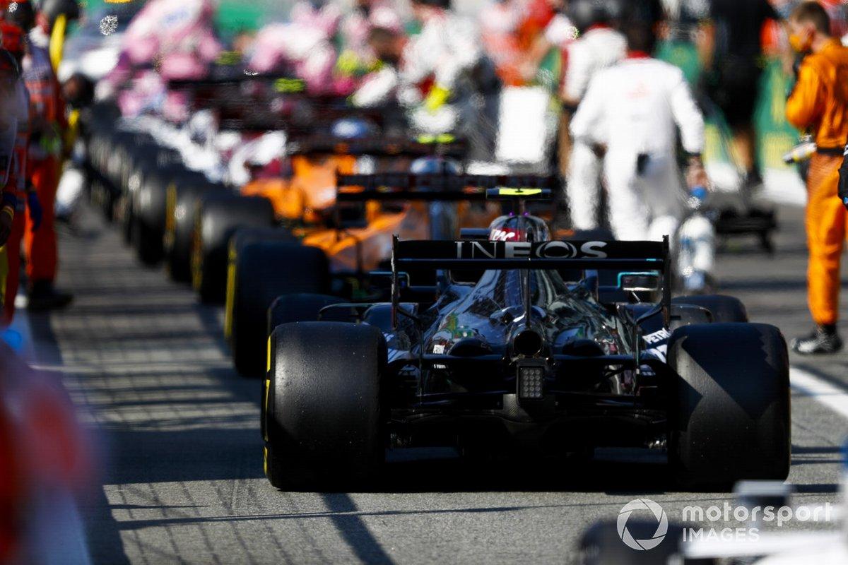 Valtteri Bottas, Mercedes F1 W11 EQ Performanc, in the pits
