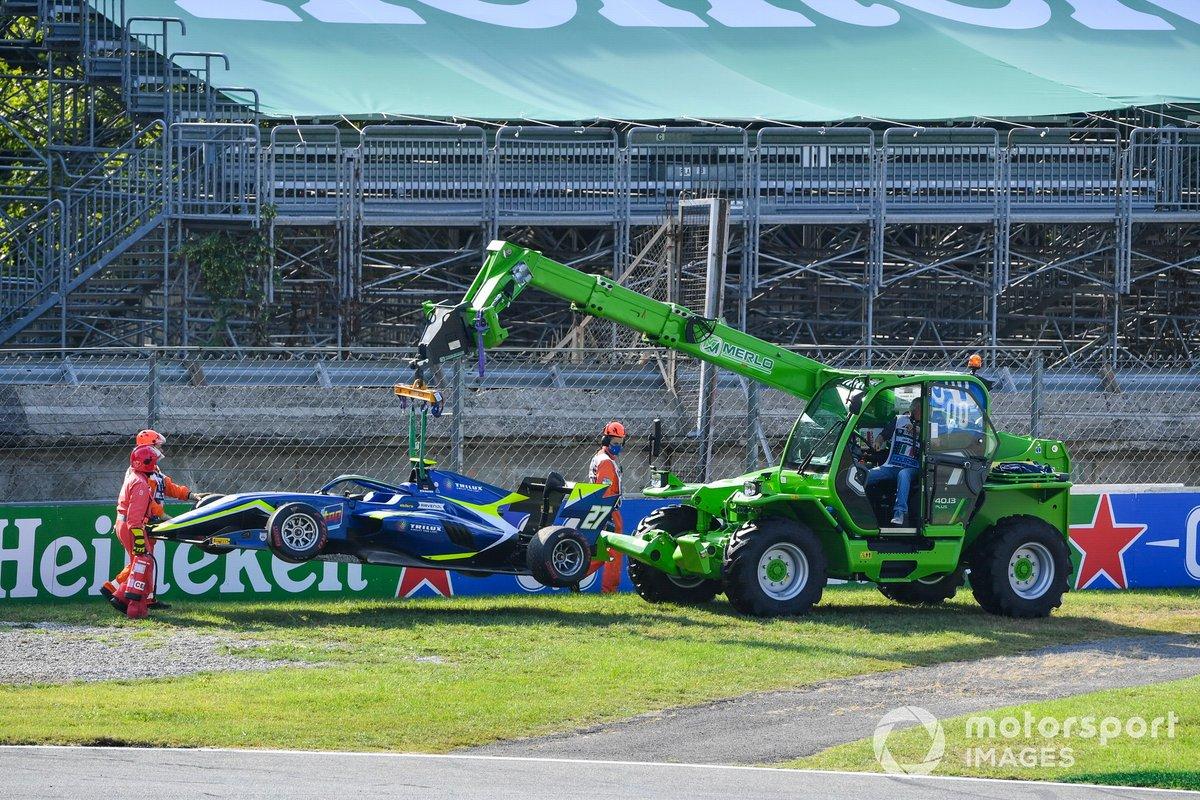 El coche de David Schumacher, Carlin, tras el accidente