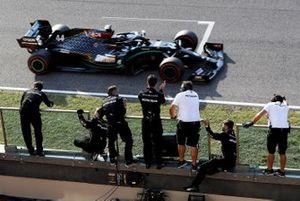 Race winner, Lewis Hamilton, Mercedes