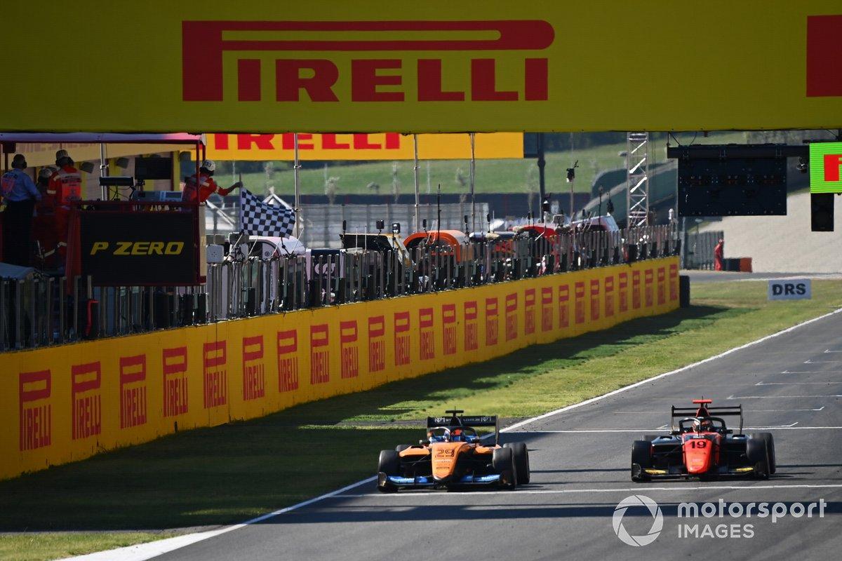 Alexander Peroni, Campos Racing, Lukas Dunner, MP Motorsport al final