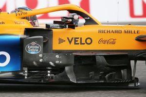 McLaren MCL35 detalle del viejo bargeboard en el monoplaza de Lando Norris