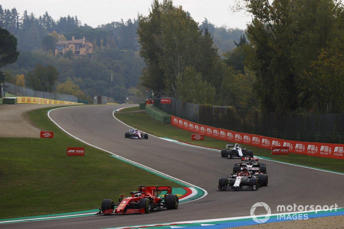 Sebastian Vettel, Ferrari SF1000, Kimi Raikkonen, Alfa Romeo Racing C39, Romain Grosjean, Haas VF-20, e Nicholas Latifi, Williams FW43