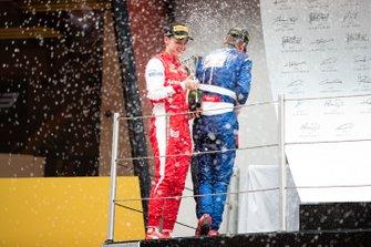 Podium: race winner Robert Shwartzman, PREMA Racing