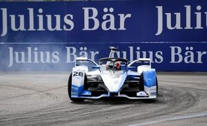 Antonio Felix da Costa, BMW I Andretti Motorsports, BMW iFE.18, locks up a tyre