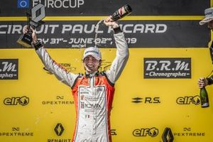 Podium: race 1 winner Lorenzo Colombo, MP motorsport