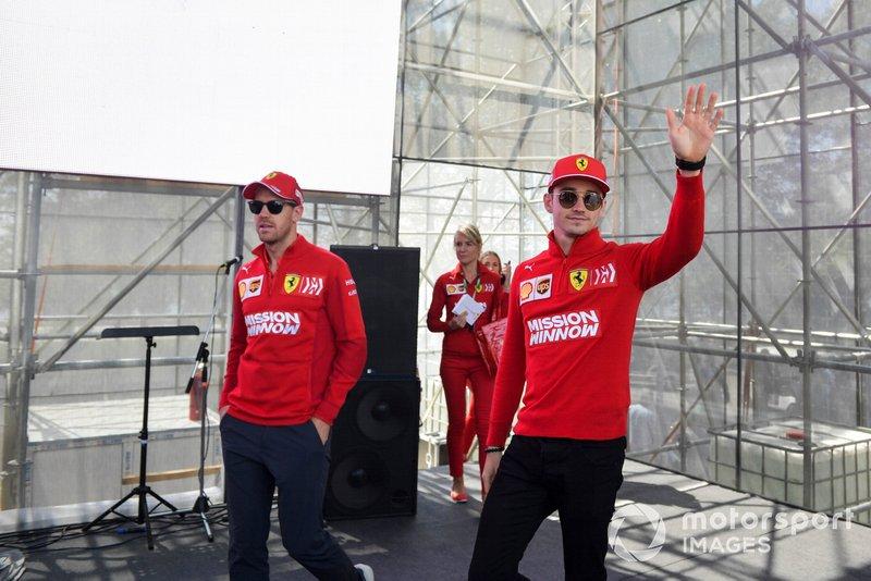 Charles Leclerc, Ferrari e Sebastian Vettel, Ferrari, arrivano alla sessione autografi