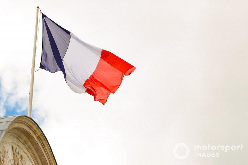 Banderas de Francia sobre Les Invalides