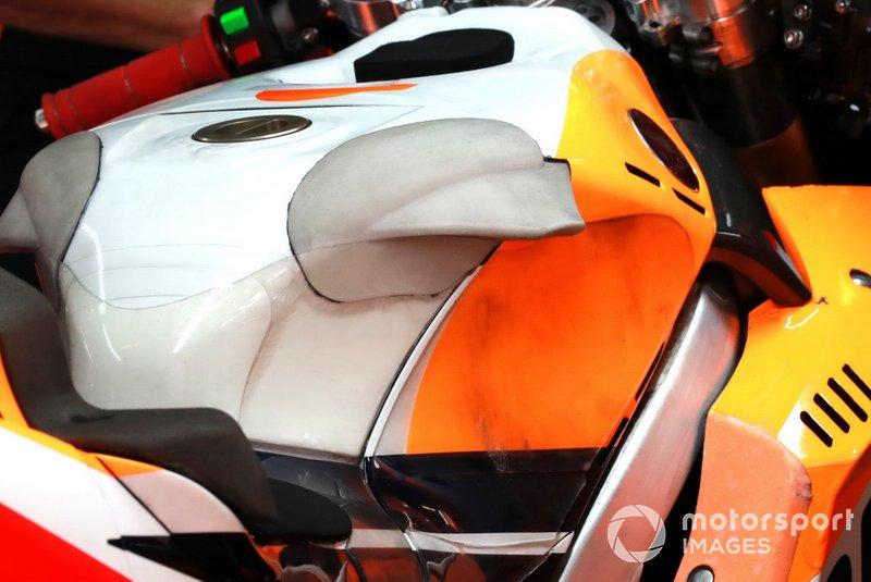 Jorge Lorenzo, Repsol Honda Team Honda tank