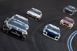 Kevin Harvick, Stewart-Haas Racing, Ford Mustang Mobil 1, Kyle Busch, Joe Gibbs Racing, Toyota Camry M&M's Red, White & Blue, Chase Elliott, Hendrick Motorsports, Chevrolet Camaro NAPA AUTO PARTS