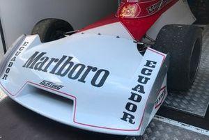 Dettaglio dell'ala anteriore di una Surtees F2