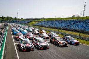 Gruppenfoto: Alle Autos der Saisons 2019 in WTCR und TCR Europe