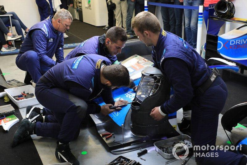 Mecánicos de Algarve Pro Racing