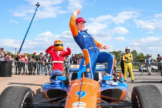 Race Winner Scott Dixon, Chip Ganassi Racing Honda
