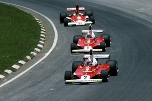Clay Regazzoni, Ferrari 312T, Niki Lauda, Ferrari and James Hunt, McLaren