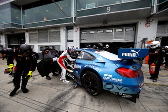#101 Walkenhorst Motorsport BMW M6 GT3: Christian Krognes, David Pittard, Lucas Ordonez, Nick Yelloly