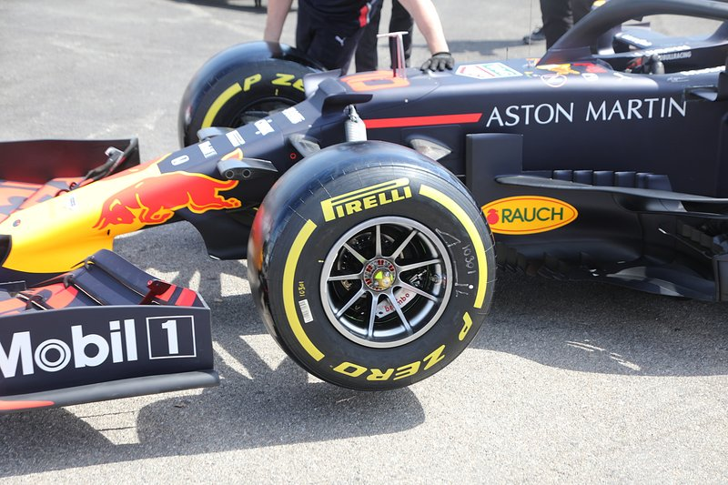 Detalle de la rueda del Red Bull Racing RB15
