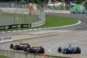 Will Power, Team Penske Chevrolet; Alexander Rossi, Andretti Autosport Honda; Scott Dixon, Chip Ganassi Racing Honda