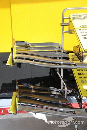 Renault F1 Team front wing technical detail