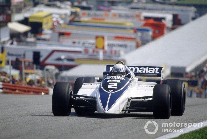 …но именно итальянский гонщик стал главным героем первых кругов – последовательно проведя два обгона, Патрезе возглавил пелотон, после чего пара пилотов Brabham начала быстро отрываться от преследователей