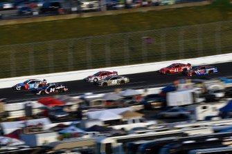Kyle Busch, Joe Gibbs Racing, Toyota Camry M&M's Red, White & Blue and William Byron, Hendrick Motorsports, Chevrolet Camaro Liberty Patriotic