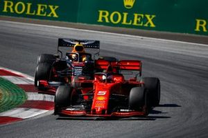 Sebastian Vettel, Ferrari SF90, devant Max Verstappen, Red Bull Racing RB15