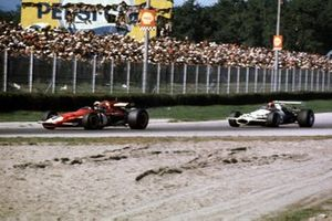 Jacky Ickx, Ferrari 312B et Rolf Stommelen, Brabham BT33