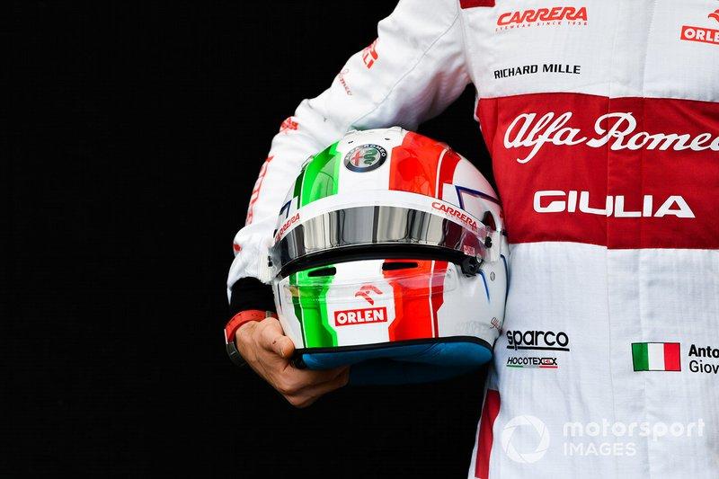 El casco de Antonio Giovinazzi, Alfa Romeo