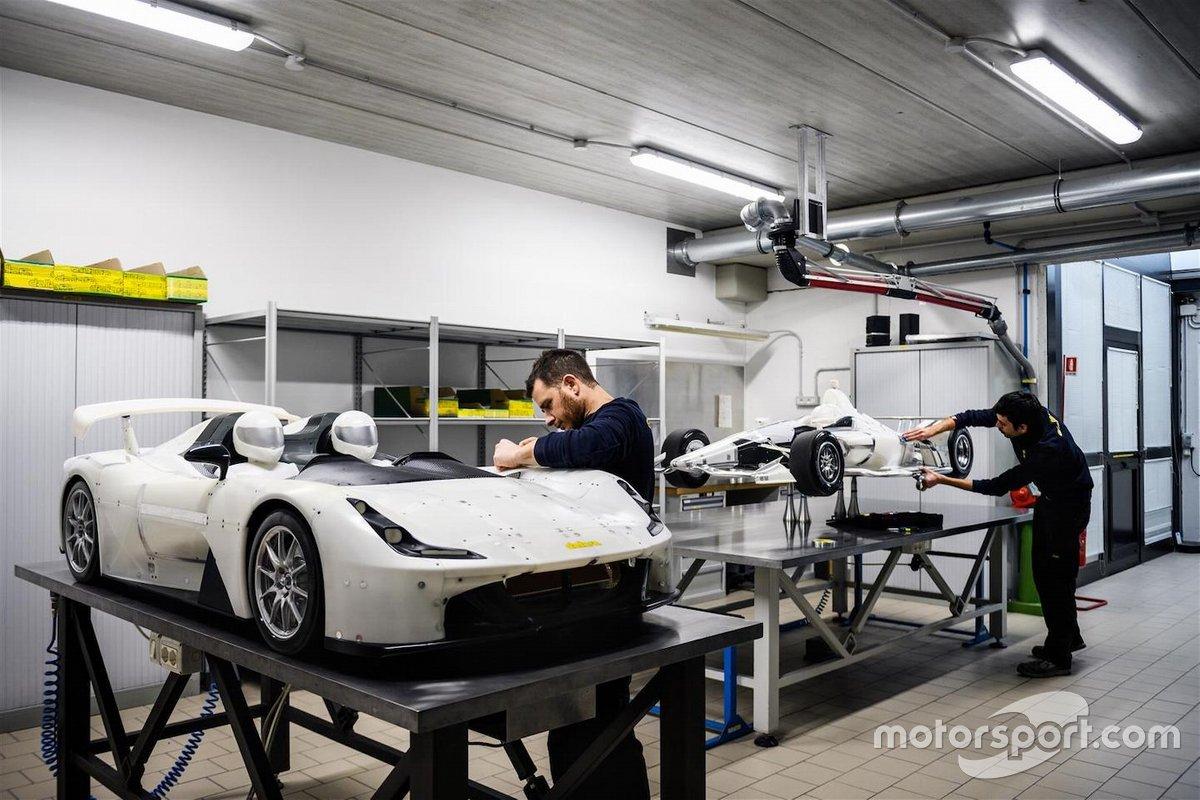 Si allestiscono i modelli per la galleria del vento Dallara