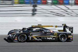 #5: Mustang Sampling Racing / JDC-Miller MotorSports Cadillac DPi, DPi: Sebastien Bourdais, Joao Barbosa