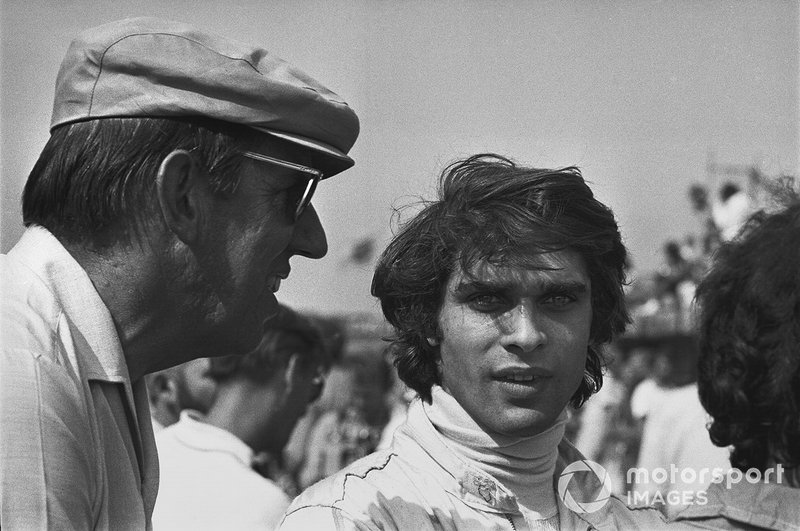 Francois Cevert, March 701-Ford with Ken Tyrrell in the pits