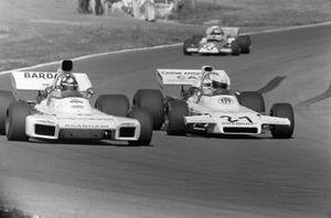 Wilson Fittipaldi, Brabham BT34 Ford battles with Carlos Reutemann, Brabham BT37 Ford