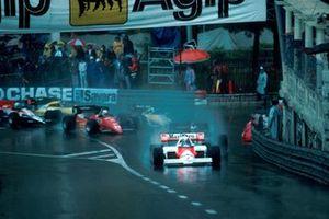 Alain Prost, McLaren MP4/2, líder al inicio