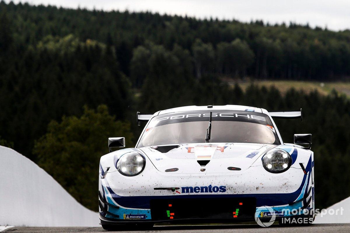 #56 Team Project 1 Porsche 911 RSR: Egidio Perfetti, Laurents Hörr, Matteo Cairoli