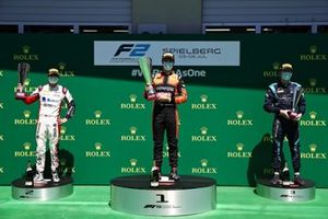 Podio: il vincitore della gara Felipe Drugovich, MP Motorsport, secondo classificato Louis Deletraz, Charouz Racing System, terzo classificato Dan Ticktum, DAMS