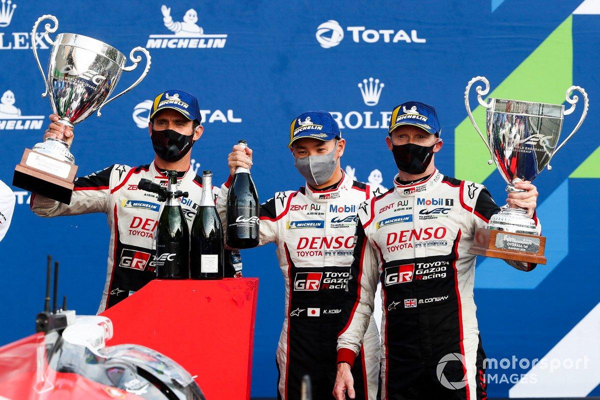 Podio: ganadores: #7 Toyota Gazoo Racing Toyota TS050: Mike Conway, Kamui Kobayashi, José María López