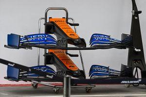 Передние антикрылья McLaren