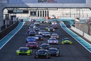 Le départ : #48 HTP Motorsport Mercedes AMG GT3: Maximilian Goetz, Dominik Baumann, Al Zubair Al Faisal