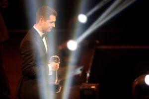 Luke Dardis collects the Autosport Williams Engineer of the Future award