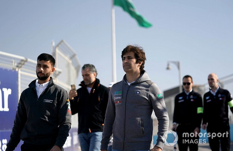 Sérgio Jimenez, ZEG iCarros Jaguar Brazil on the track walk