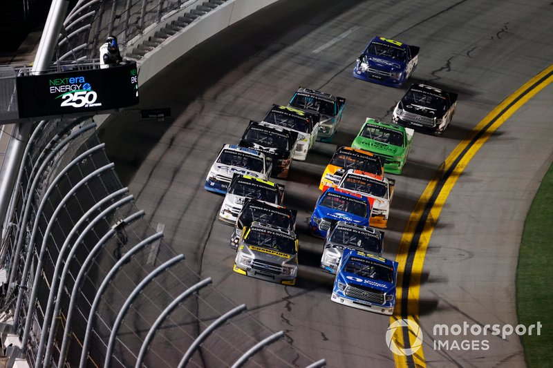 Austin Hill, Hattori Racing Enterprises, Toyota Tundra United Rentals, Grant Enfinger, ThorSport Racing, Ford F-150 Champion/ Curb Records