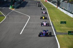 Pierre Gasly, Toro Rosso STR14, leads Lance Stroll, Racing Point RP19, Nico Hulkenberg, Renault F1 Team R.S. 19, and Sergio Perez, Racing Point RP19