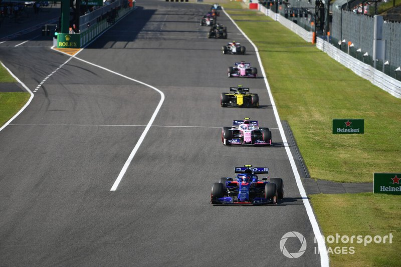 Pierre Gasly, Toro Rosso STR14, precede Lance Stroll, Racing Point RP19, Nico Hulkenberg, Renault F1 Team R.S. 19, e Sergio Perez, Racing Point RP19