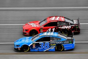 David Ragan, Front Row Motorsports, Ford Mustang Envision and Daniel Suarez, Stewart-Haas Racing, Ford Mustang Haas Automation
