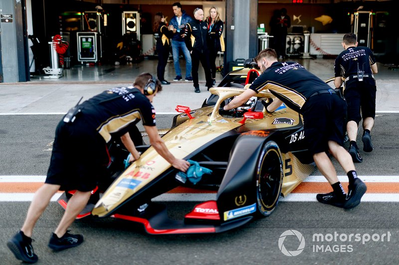 Jean-Eric Vergne, DS TECHEETAH, DS E-Tense FE20 is pushed back into the garage