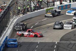 Stewart Friesen, Halmar Friesen Racing, Chevrolet Silverado Halmar International, Tanner Gray, DGR-Crosley, Toyota Tundra Valvoline / Durst, spins