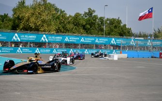 Антониу Феликс да Кошта, DS Techeetah, DS E-TENSE FE20, и Андре Лоттерер, Porsche Formula E Team, Porsche 99X Electric