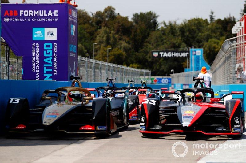 Антониу Феликс да Кошта, DS Techeetah, DS E-TENSE FE20, и Себастьен Буэми, Nissan e.dams, Nissan IM02