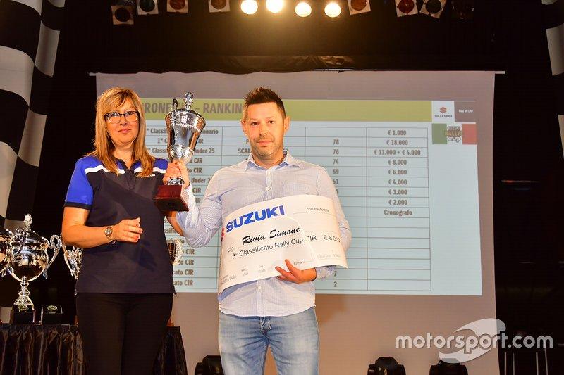 Simone Rivia protagonista del Trofeo Rally Suzuki con l'assegno di 8 mila euro